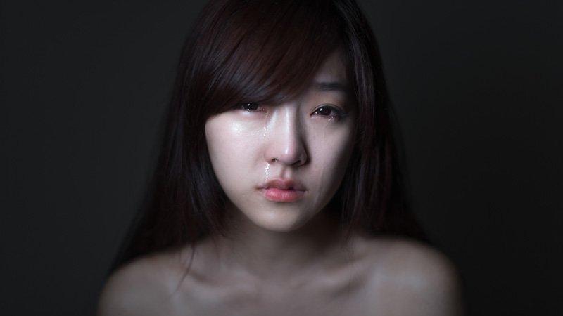 哭泣的女孩——著名摄影师徐圣渊x